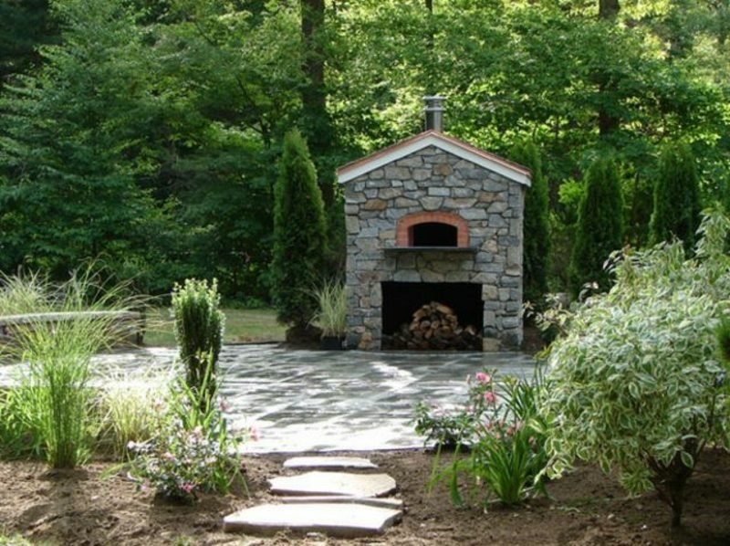 Aussenkamin und Pizzaofen Naturstein Garten