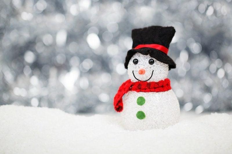 kleiner Schneemann niedlich