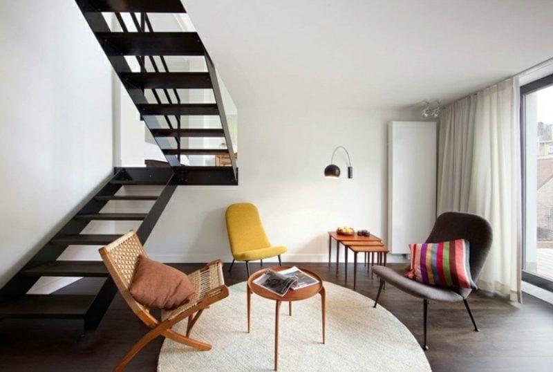 skandinavische Möbel Wohnzimmer im Schwarz-Weiss Akzente im Gelb