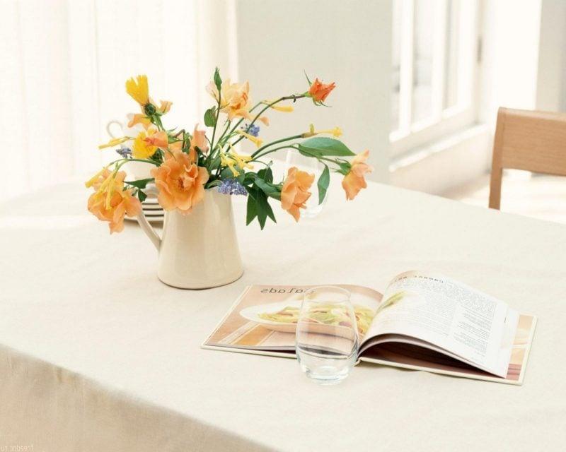 Gelbe Tischdeko