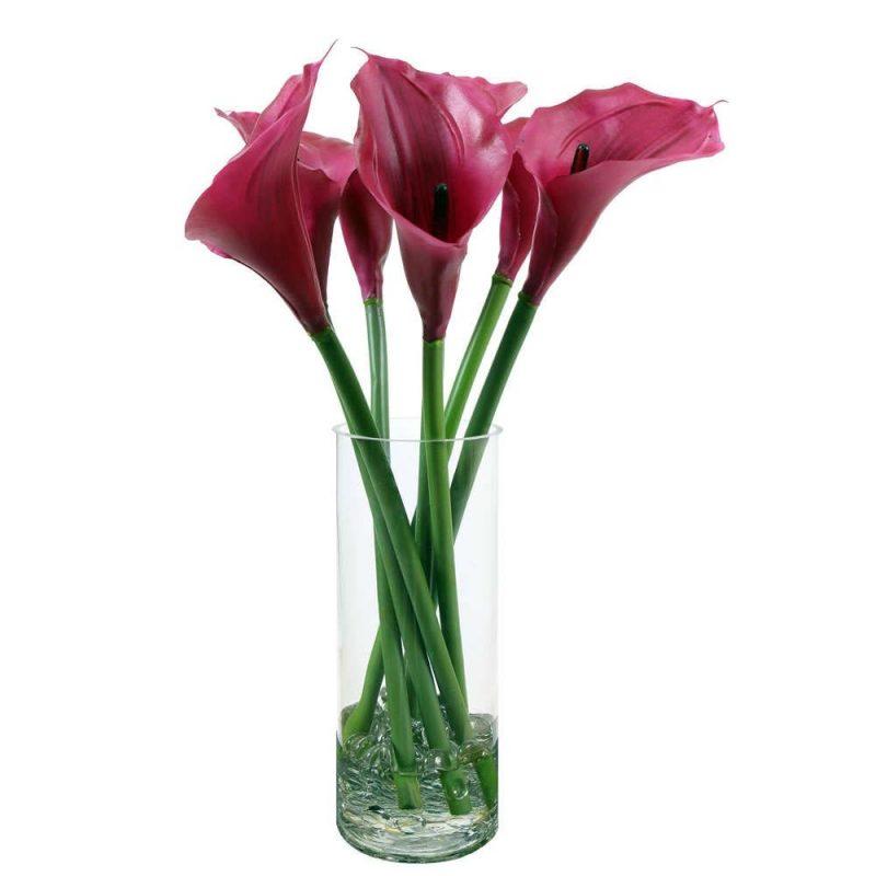 Künstliche Blumen als Deko