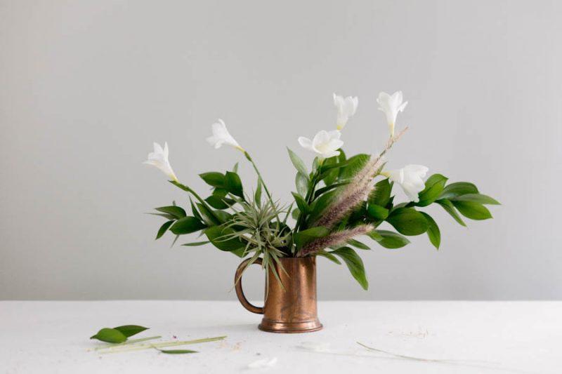 Tischdeko mit Tulpen.