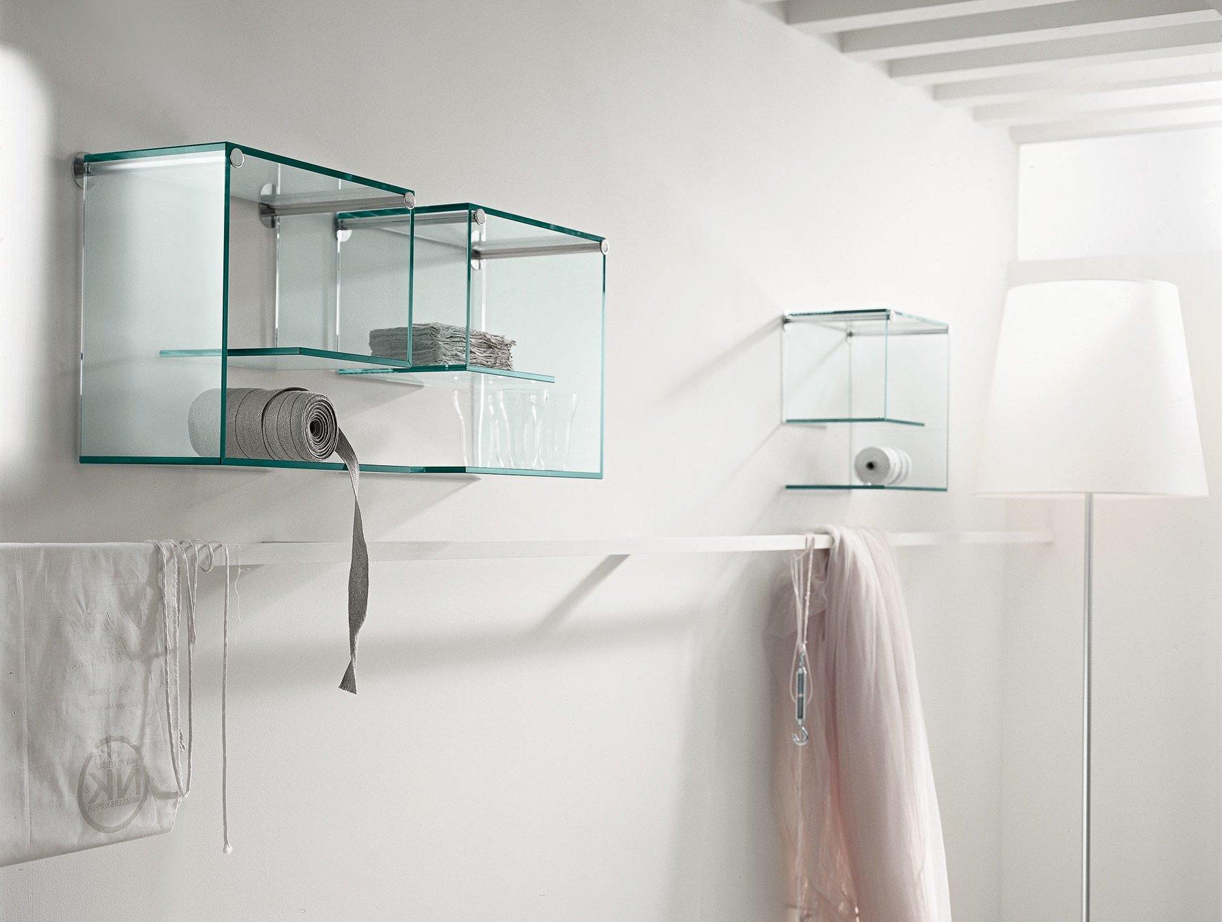 Glasregale im Badezimmer gestalten
