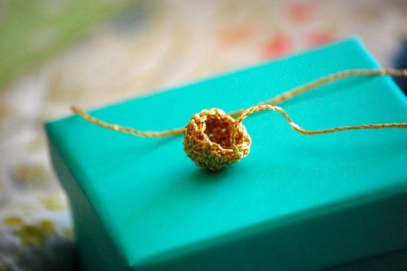 Häkeln für Weihnachten Christbaumkugeln Krönchen Anleitung