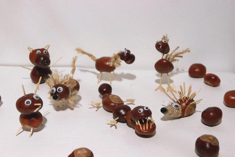 Kastanienmännchen basteln und lustige Spielzeuge schaffen