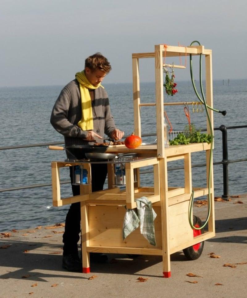 mobile Küche am Strand kochen
