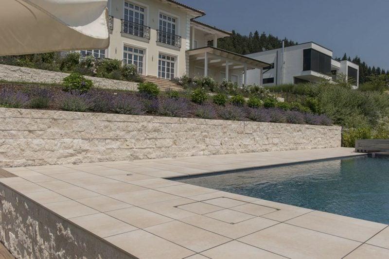 Steinmauer im Garten niedrig Pool