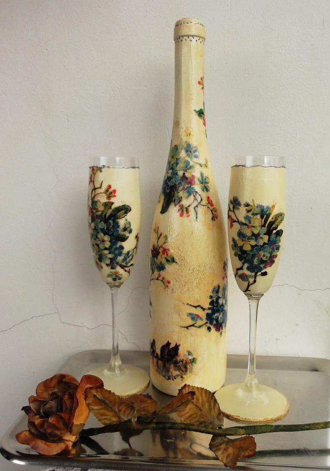 Serviettentechnik Anleitung - Flasche und Gläser dekorieren