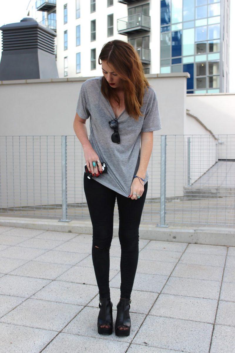 t-shirt-kombinieren-alltag-outfit