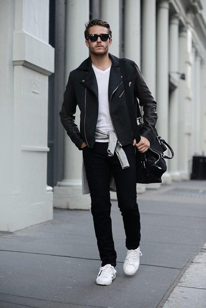 t-shirt-kombinieren-maenner-sneakers-outfit