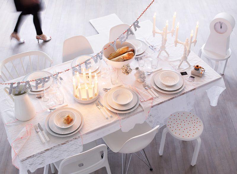 Silvester Tisch eindecken - dezente Dekoration