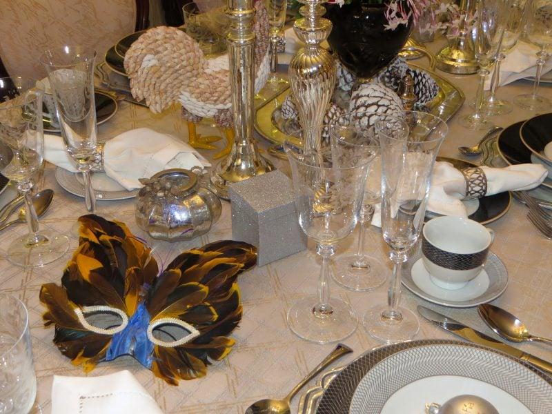 Silvester tisch eindecken 30 tipps und deko ideen deko feiern zenideen - Dekoration gold ...