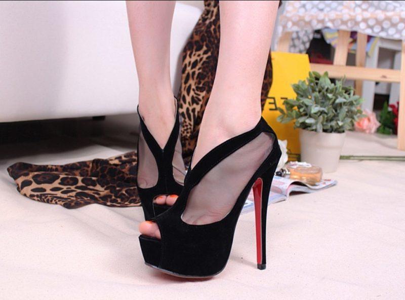 Schuhe in Übergrößen und Untergrößen - Tipps für kleine Füsse