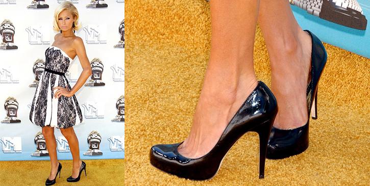 Schuhe in Übergrößen und Untergrößen - Paris Hilton trägt 43