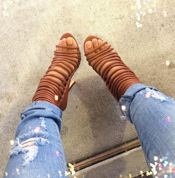 Schuhe in Übergrößen und Untergrößen - Wählen Sie Riemchen