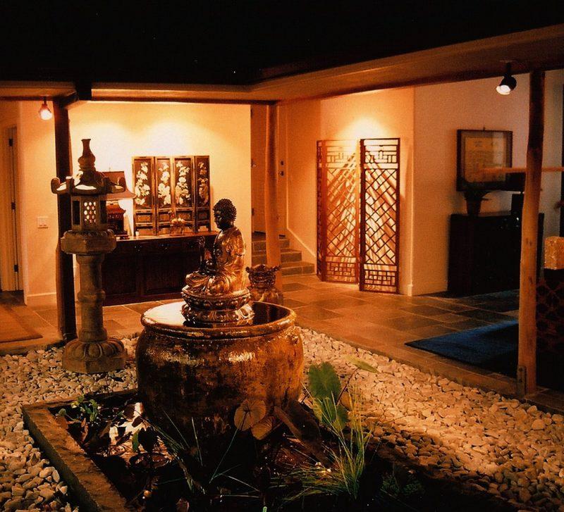 Asiatische Möbel:Buddha