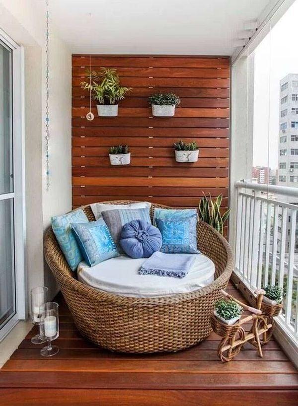 Balkonbelag aus Holz für Fußwärme