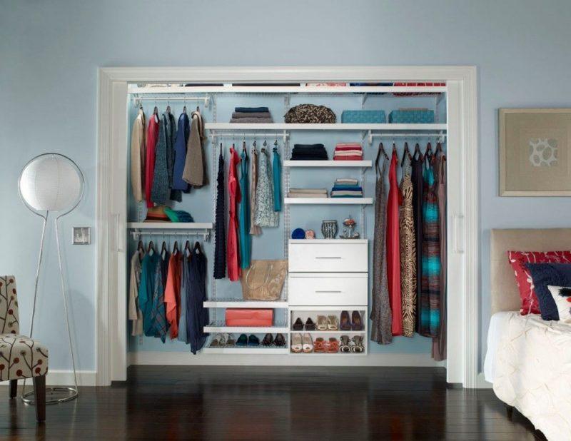 Begehbarer Kleiderschrank selber bauen passende möbelstücke im ankleidezimmer