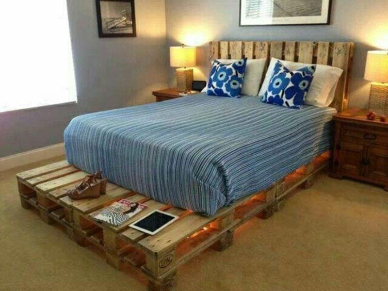 grosses Europaletten Bett mit Kopfteil selber gebaut