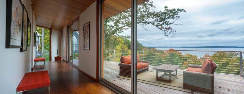 Bodentiefe Fenster und Fenstertüren machen Räume wohnlicher