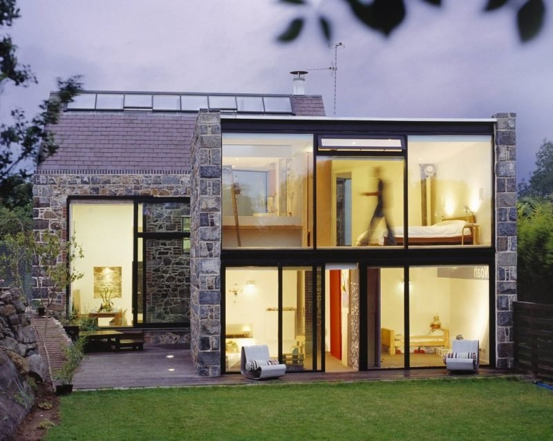 Bodentiefe Fenster: voll verglaste Wände liegen im Trend