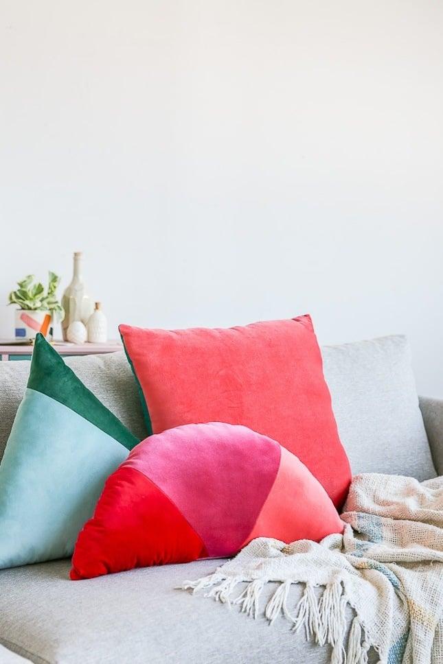Deko Kissen deko ideen wohnung dekoration sofakissen rot design