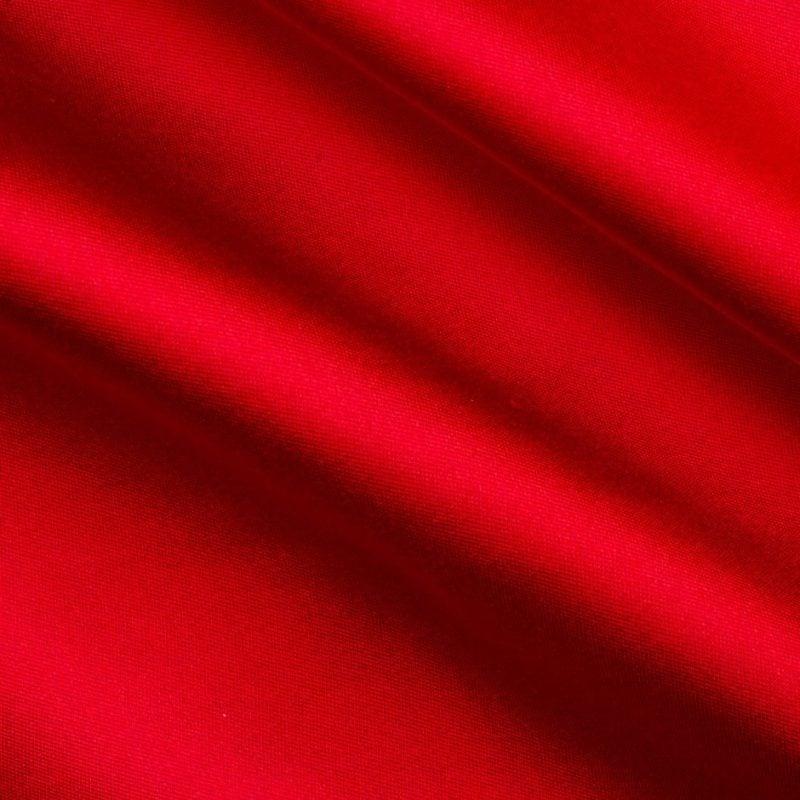Designerstoffe: Seide in Rot