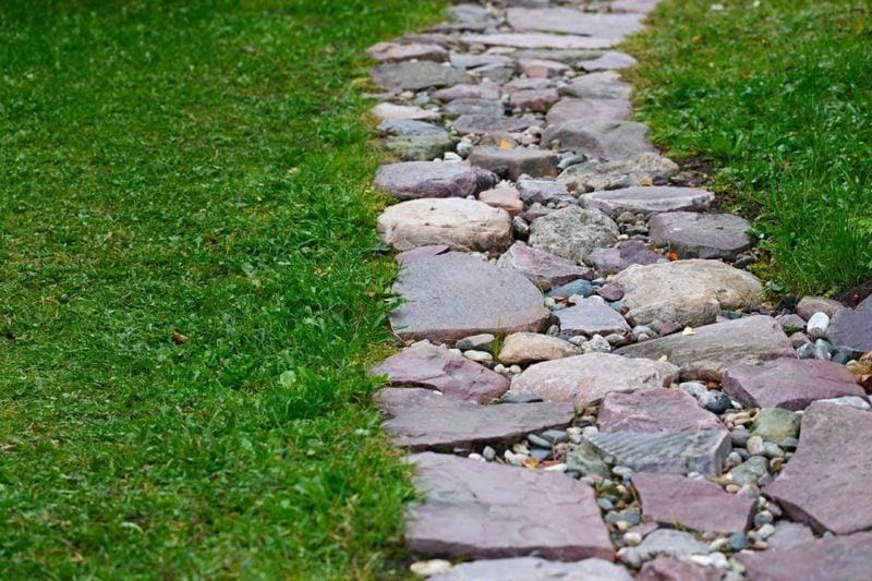 Gartengestaltung Ideen Gartenwege anlegen Naturstein