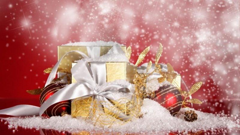 Weihnachtsgeschenke fallender Schnee