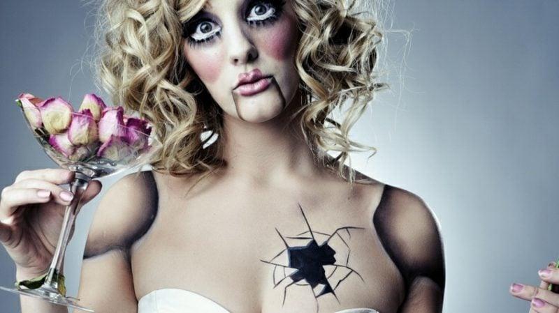 Kostüme zu Halloween Frauen gruselige Puppe