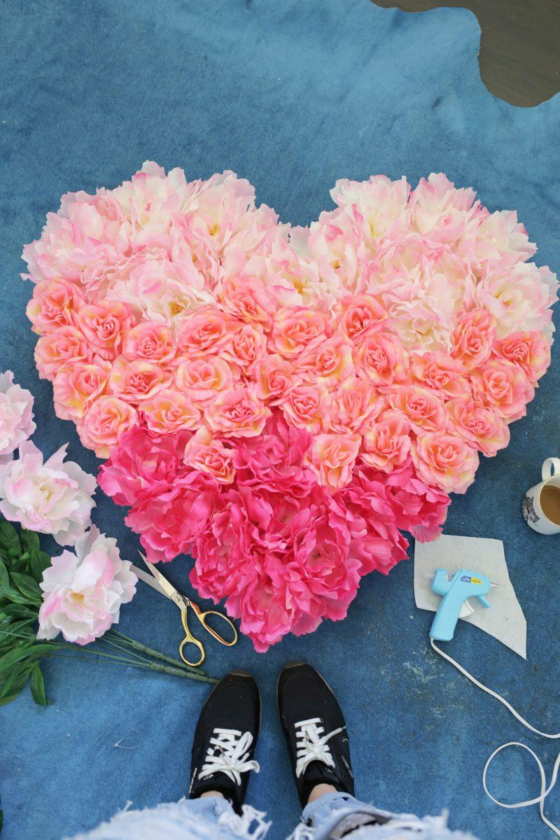 Herz aus Blumen selber machen!