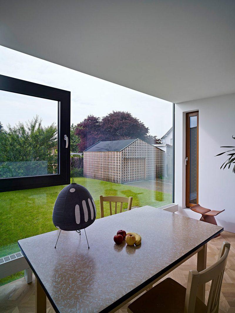 Hochwertige bodentiefe Fenster in der Küche!