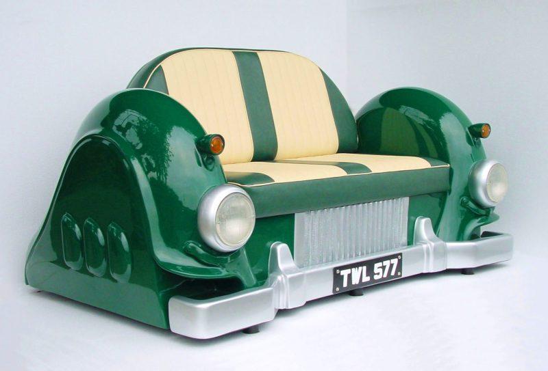 Sofa in Grün aus Autoteilen!