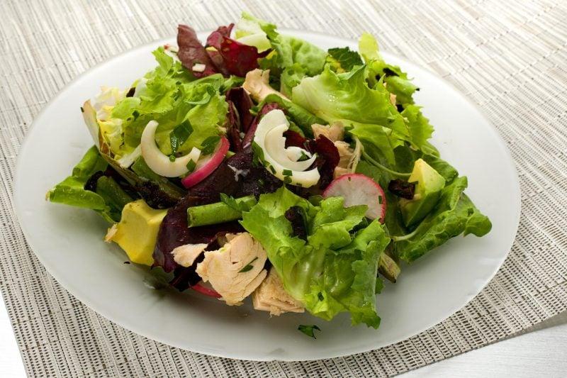 Käsefondue Beilagen: Grüner Salat!