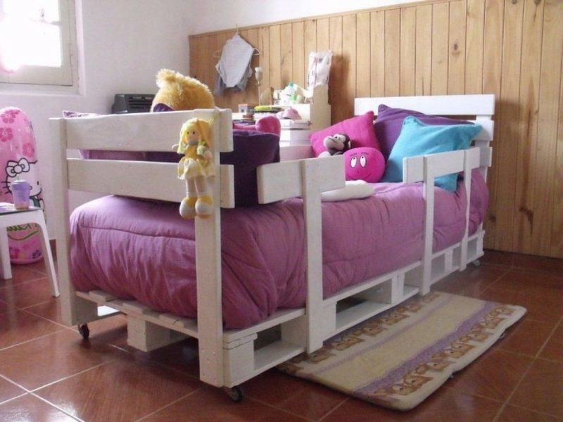 Europaletten Bett Kinderzimmer weiss