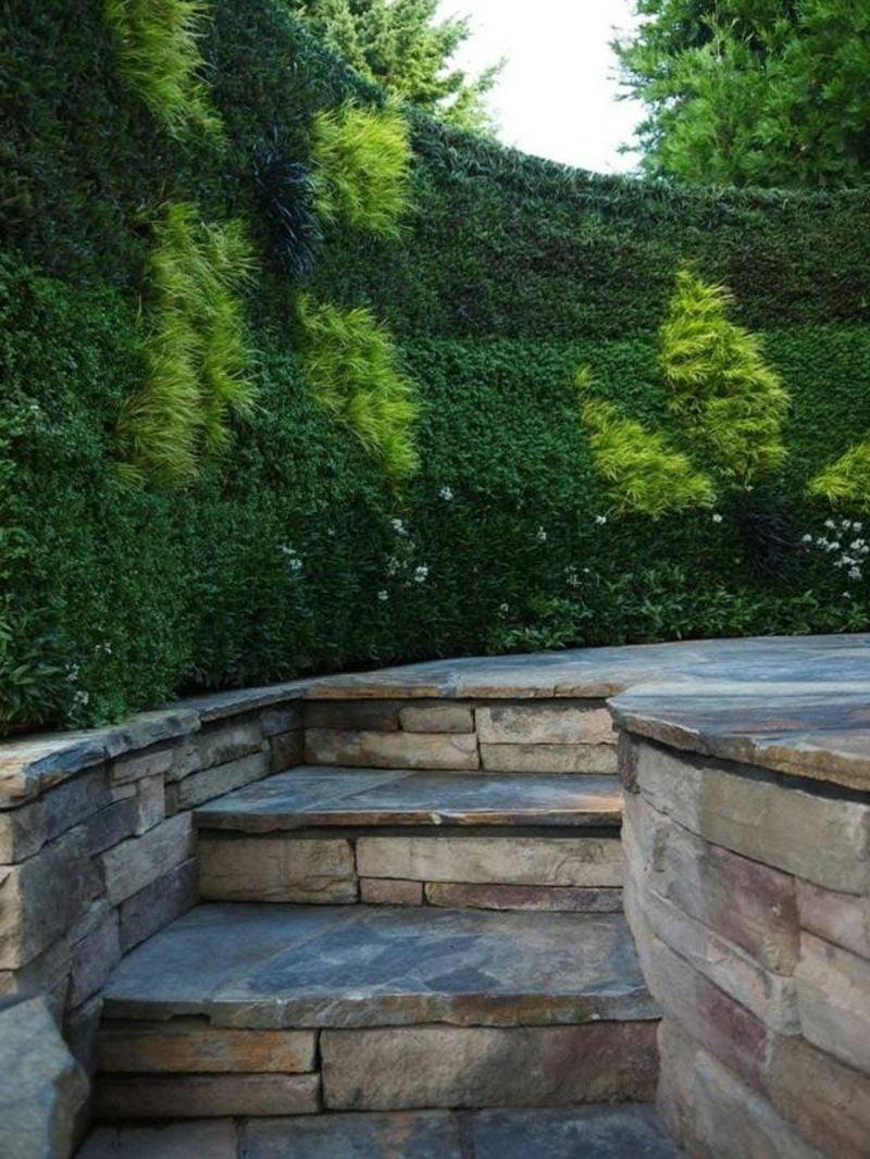 Gartengestaltung Ideen Hecke hoch Sichtschutz