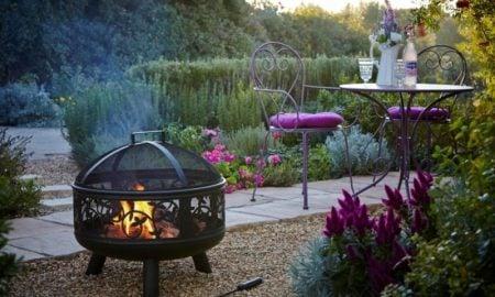 Gartengestaltung Ideen Sitzecke unter freiem Himmel
