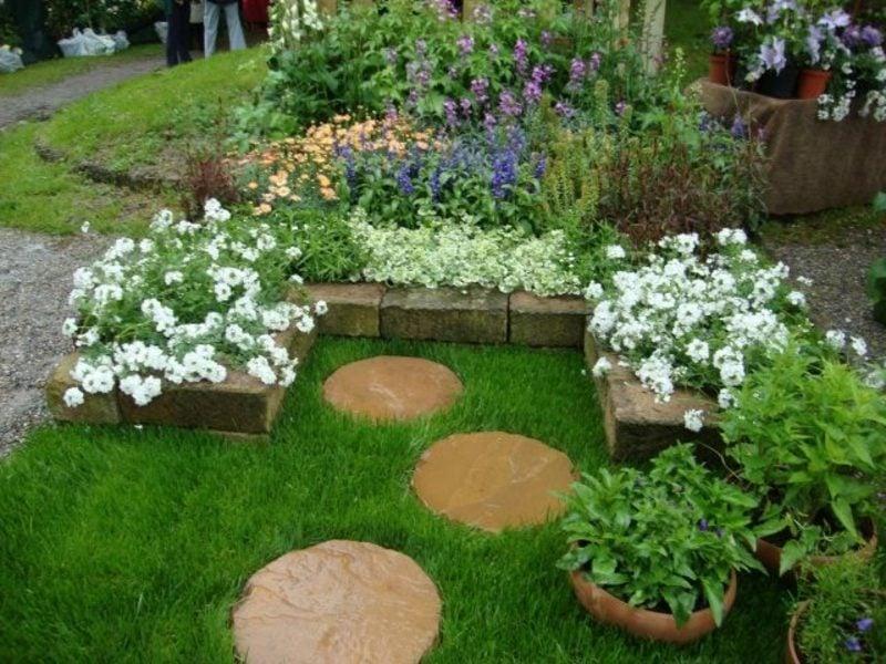 Gartengestaltung Ideen Gartenwege anlegen Trittsteine