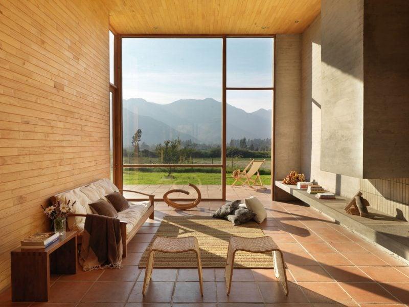 Man kann bodentiefe Fenster auch ohne Gardinen gestalten