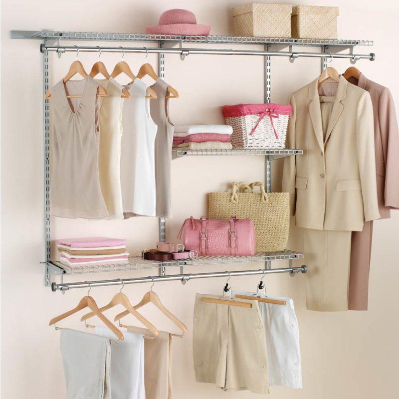 Ordnung im schicken Design: platzsparender begehbarer Kleiderschrank: so werden die Accessoires richtig aufbewahrt