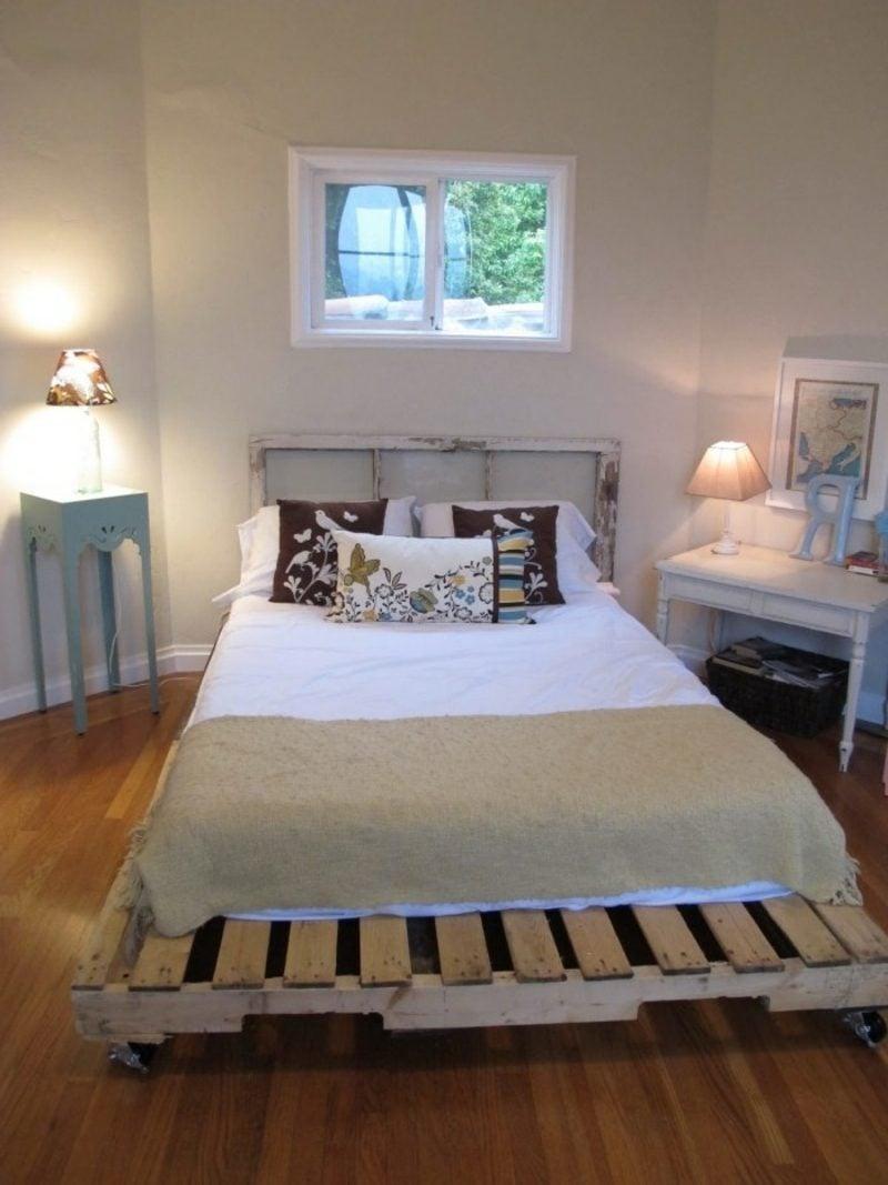 Europaletten Bett bauen bequem und praktisch