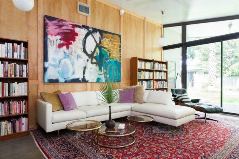 grosser Orientteppich rot Wohnzimmer herrliches Bild originelle Couchtisch