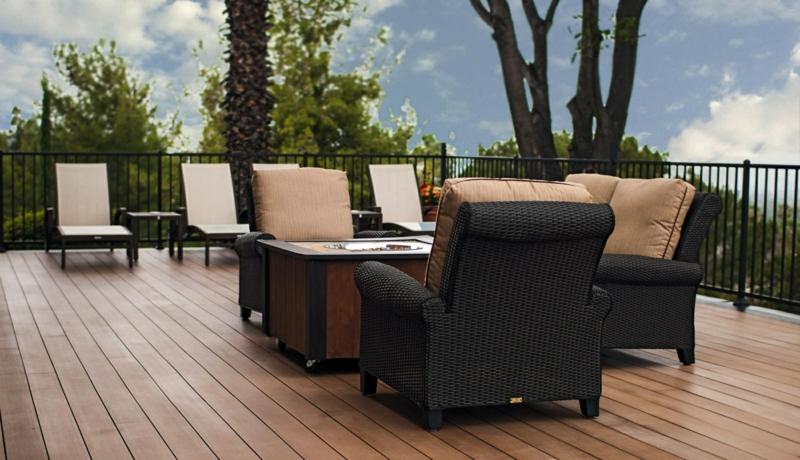 Resysta-Material-Holzalternative-Bodenbelag-Sessel-Sofa-Bäume-Tische