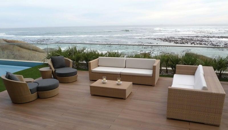 Resysta-Tropenholzalternative-Meer-Varanda-Schwimmbad-Holz-Tisch-Stühle-South-Africa