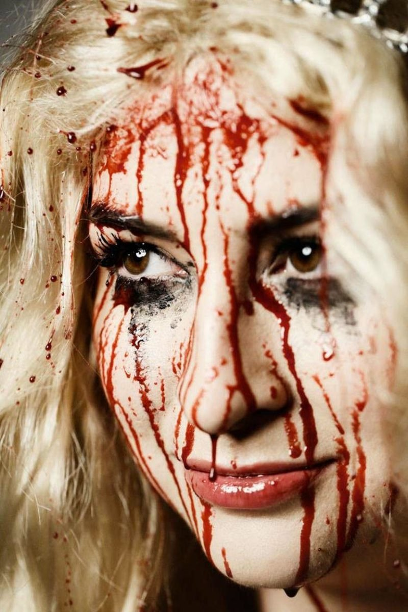 Halloween Make-up Tipps Frauen Kunstblut