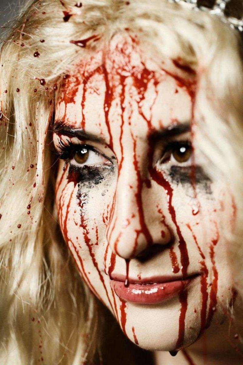 Halloween Make-up Tipps Frauen Kunstblut