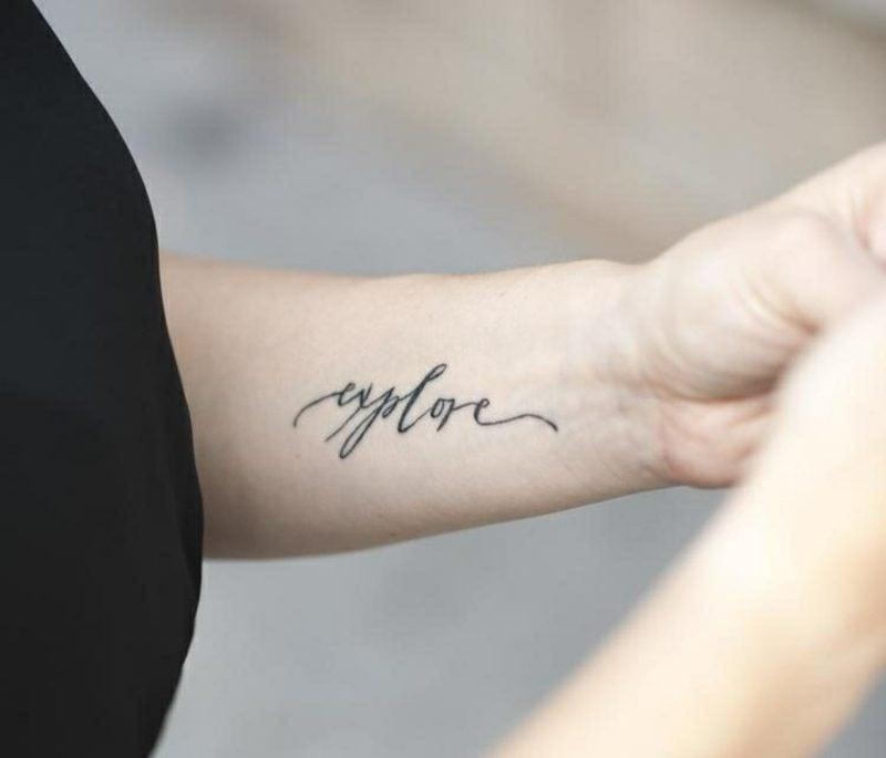 Tattoo Schriftarten personalisiert ein Wort Handgelenk