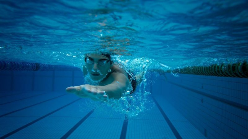 Schwimmen Kalorienverbrauch bei den verschiedenen Schwimmtechniken!