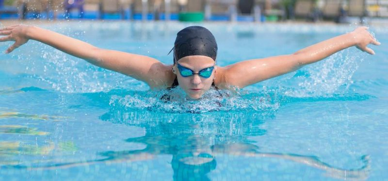 Schwimmen Kalorienverbrauch beim Schmetterling-Delphin!