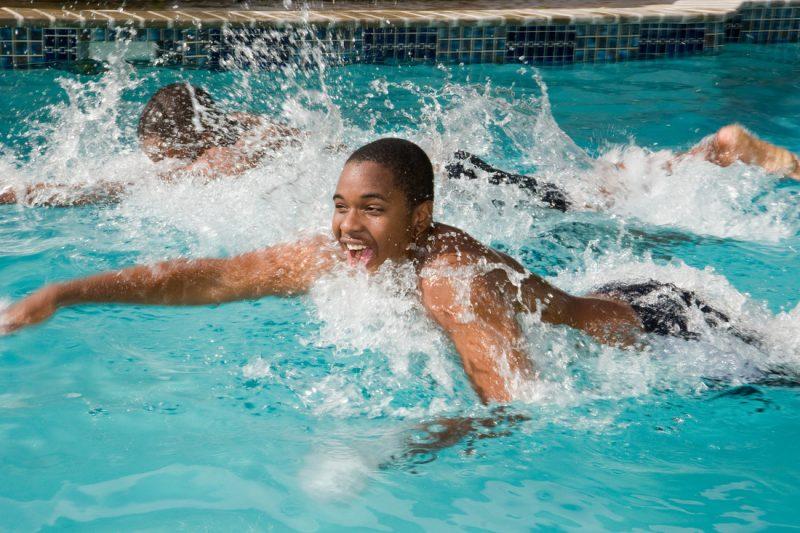 Schwimmen hebt die Laune!